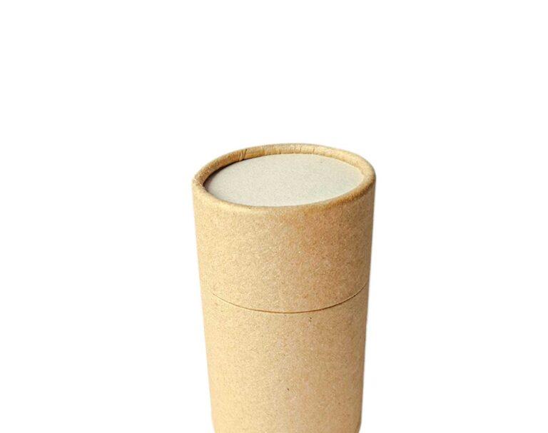 Envase de cartón con tapa cerrado