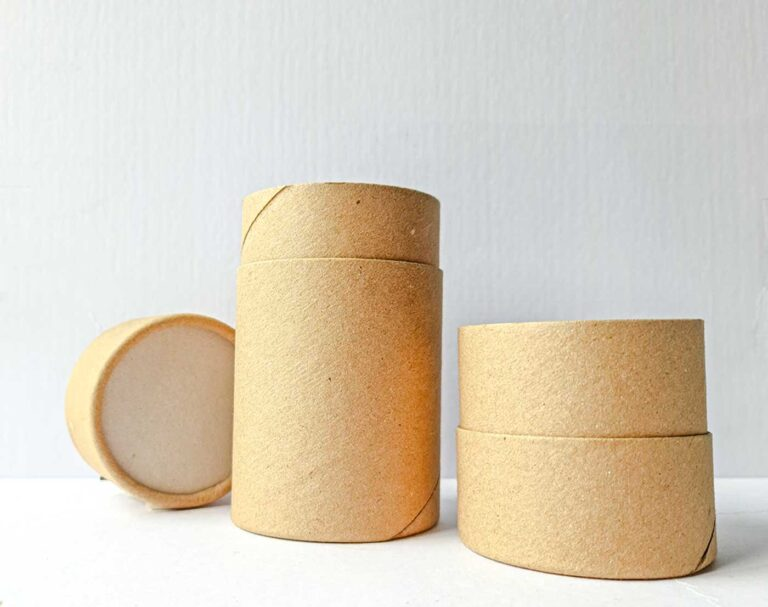 envase de cartón con tapa